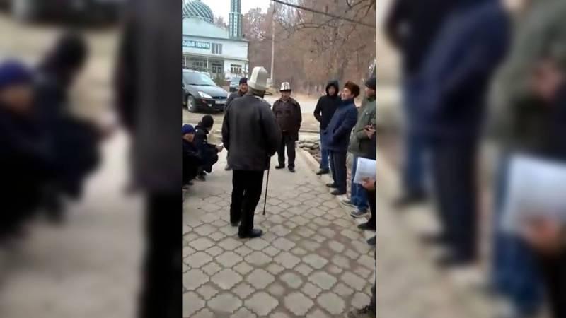 Горожане жалуются на работу Баткенского регионального отдела ГУ «Унаа» (видео)