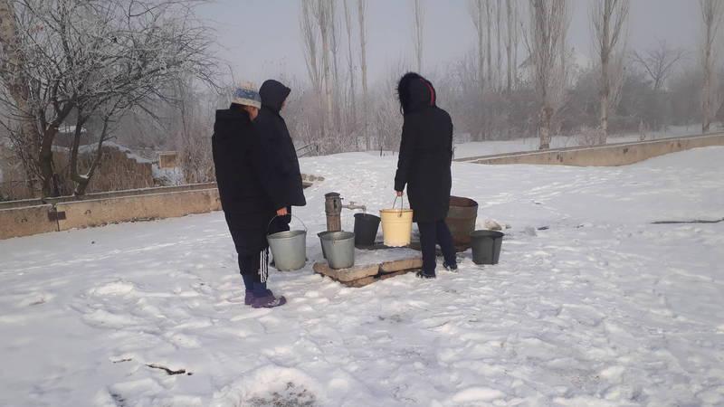 В селе Мураке питьевую воду дают только по часу в сутки, - житель