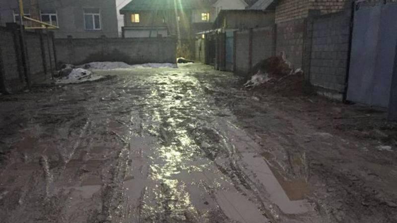 В новостройке Керемет после прокладки газовых труб не восстановили дорогу. Фото