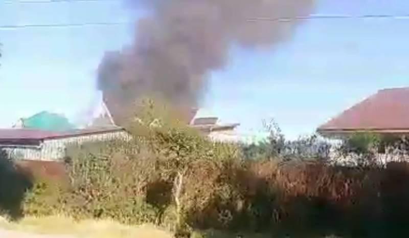 В жилмассиве Кок-Жар горит дом