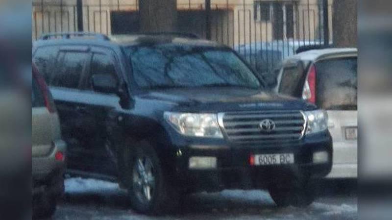 В Бишкеке замечена затонированная «Тойота» с подложными номерами (фото)