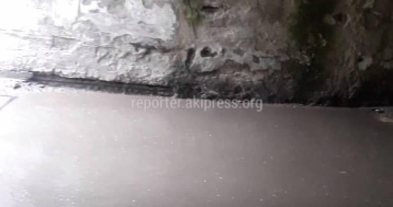 Житель столицы пожаловался на ужасное состояние городского морга в Бишкеке (видео)