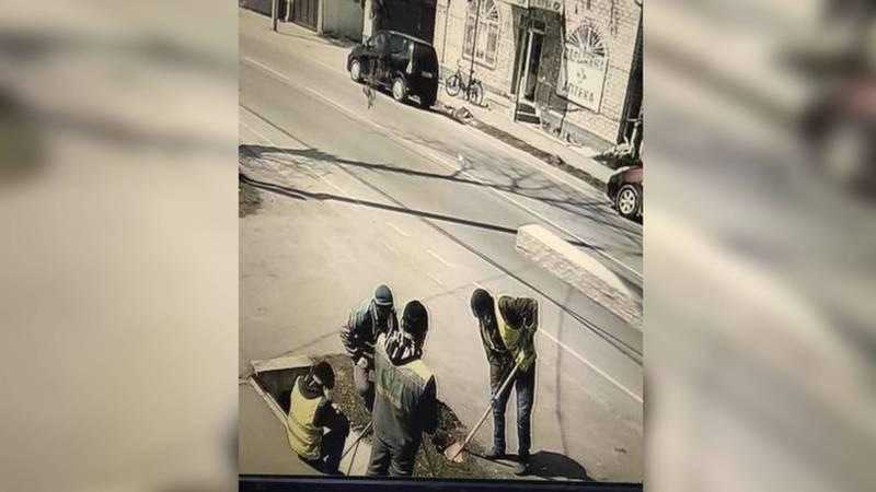 Работники «Бишкекзелехоза» готовят улицы к летнему поливному сезону