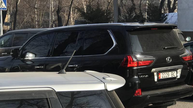 На ул.Панфилова был замечен тонированный «Лексус». Фото