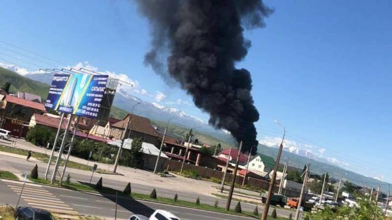 Пожар на юго-западе Бишкека. Фото, видео