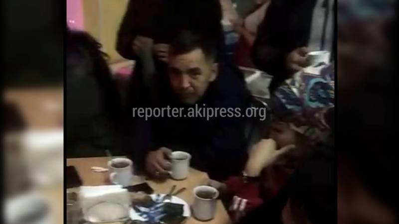 Кыргызстанцы, ехавшие в Москву, остались на улице в Самарской области. Видео