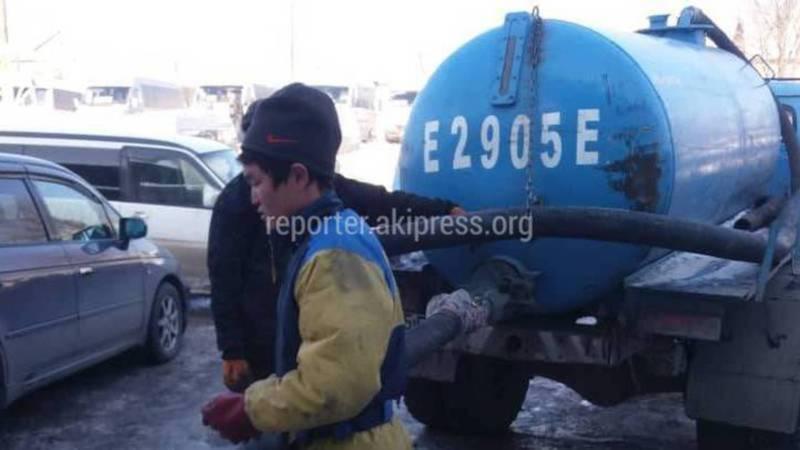 Ассенизатор слил нечистоты на Восточном автовокзале. Мэрия не смогла найти виновных