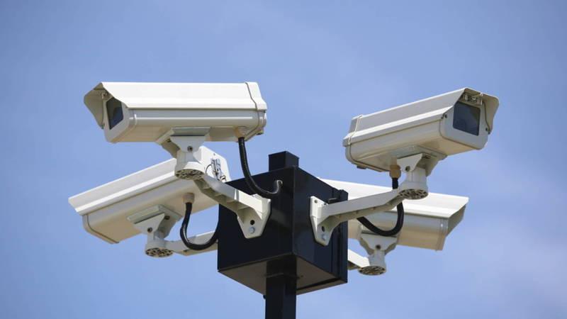 Горожане интересуются, как будут фиксировать нарушение камеры «Безопасного города» если на дорогах из-за снега не видно разметок?
