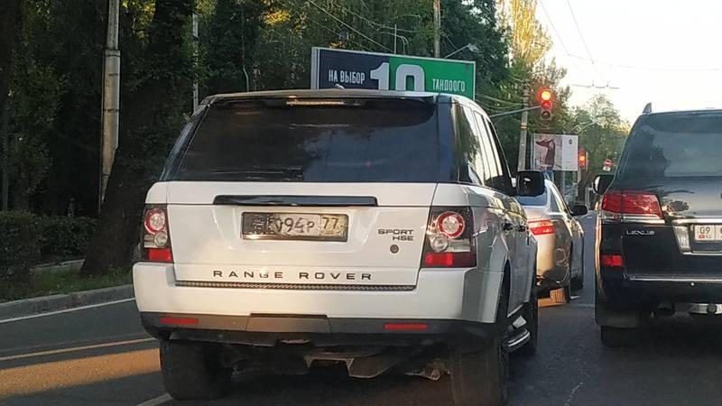 В Бишкеке замечен Range Rover c бумажным госномером. Фото очевидца