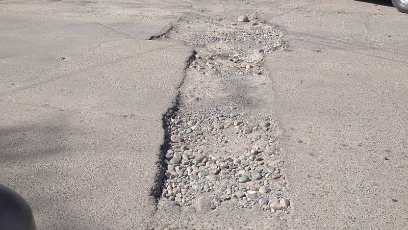 На Панфилова-Медерова перекопали дорогу и не восстановили асфальт, - бишкекчанин