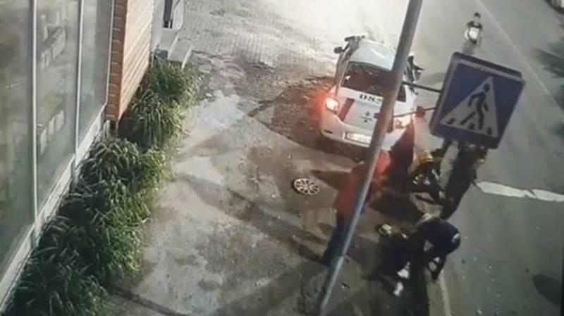 Момент ДТП с участием патрульной машины на Садырбаева-Гагарина. Видео