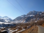 Residents of mountain villages of Kyrgyzstan's Alay district complain about lack of snow this winter and current unprecedented frost.