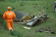 The fragments of the aircraft fell over 1 km in radius.