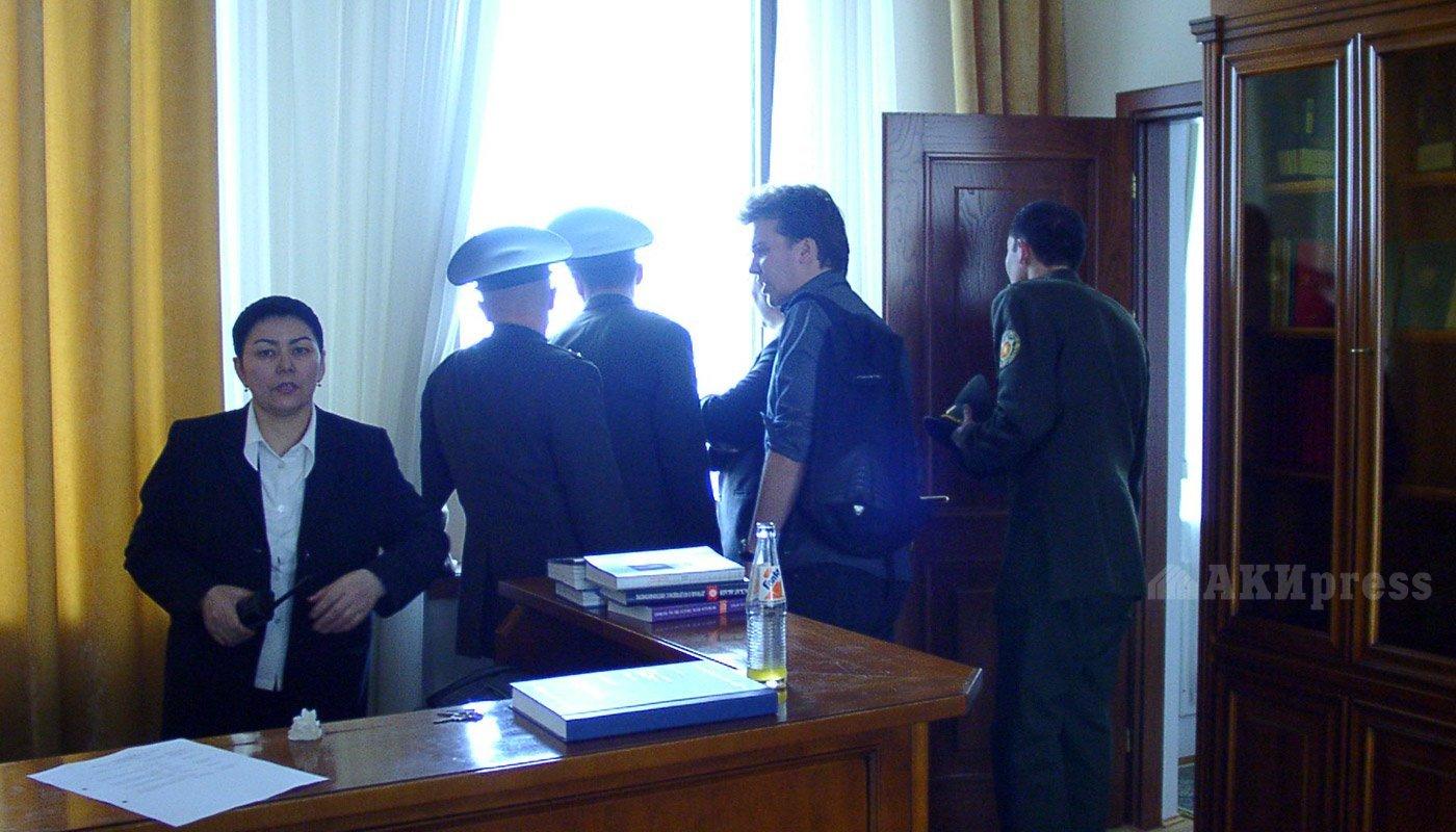 24 марта 2005 года. Штурм Белого дома / Фото АКИpress