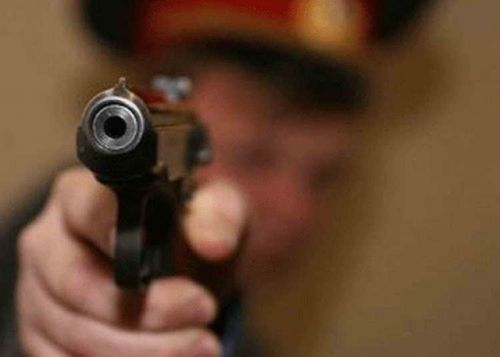В Узбекистане разыскивается милиционер, застреливший свою жену