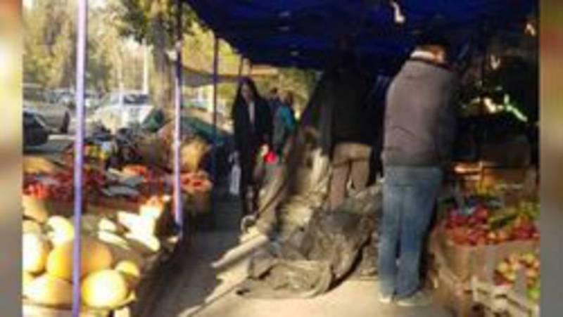 Организаторов стихийной торговли на ул.Айни оштрафовали на 3000 сомов, - мэрия