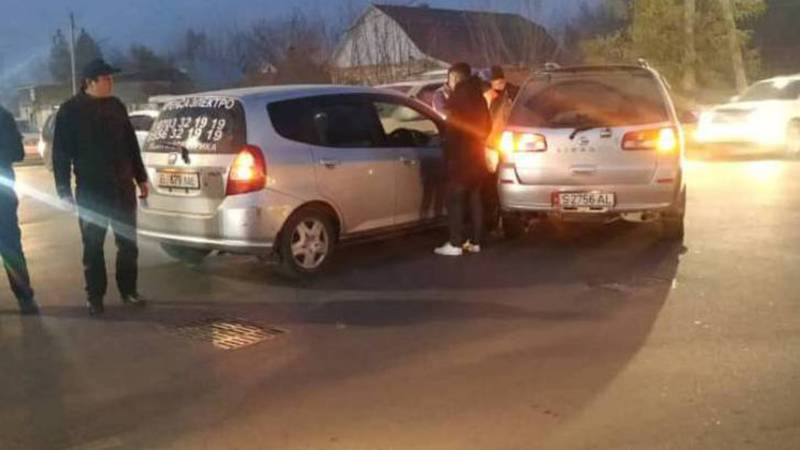 На Щербакова-Орозбекова произошло ДТП (видео, фото)