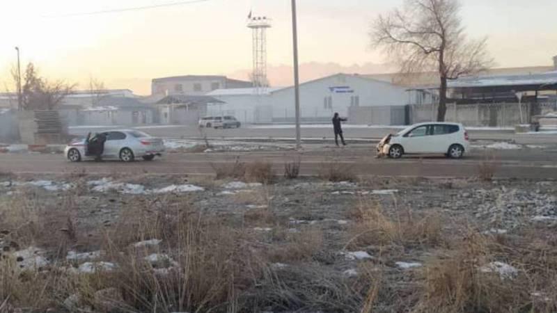 Утром на улице Льва Толстого произошла авария. Фото