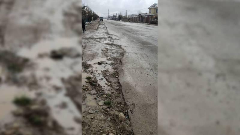 На ул.Шералиева в Арча-Бешике после прокладки канализационных труб не восстановили асфальт. Фото