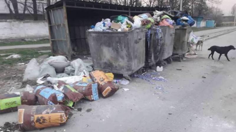 В Газгородке вывоз мусора производится каждую ночь без срыва