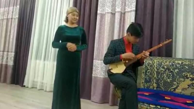 Карантин: Семья из жилмассива Рухий-Мурас устроила мини-концерт. Видео
