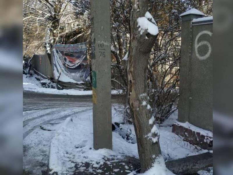 Мусор на улице Жукеева-Пудовкина убрали