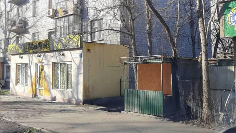 Законно ли установлены павильоны на Суеркулова-Тыныстанова?