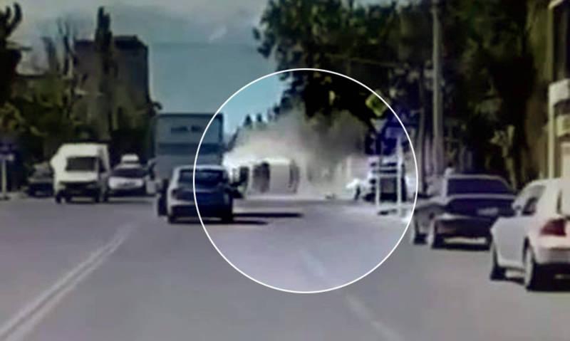 Момент столкновения автомашины ГУГССО с «Лексусом GX 470» попал на видео