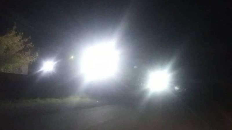 Прожекторы Кантского цементного завода слепят водителей (фото)