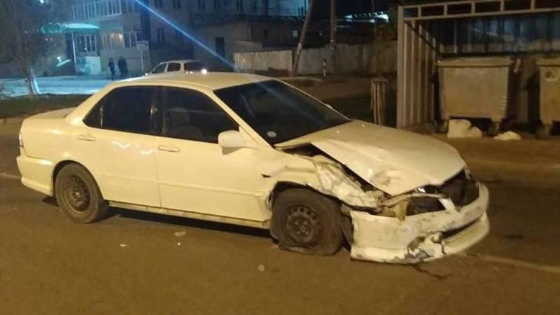 В жилмассиве Кок-Жар столкнулись две машины (фото)