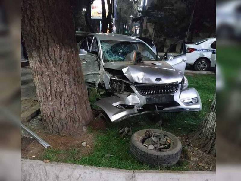 На Чуй-Калык Акиева произошло ДТП. Есть пострадавшие (фото, видео)