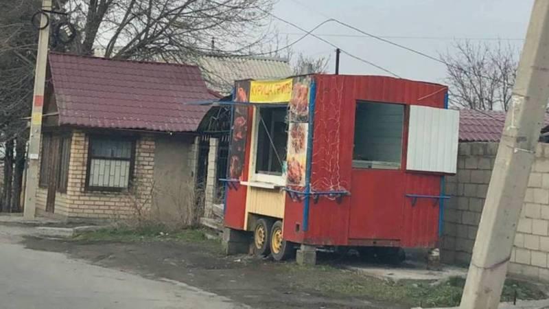 Законно ли установили точку продажи кур-гриль на улице Курманалиева?