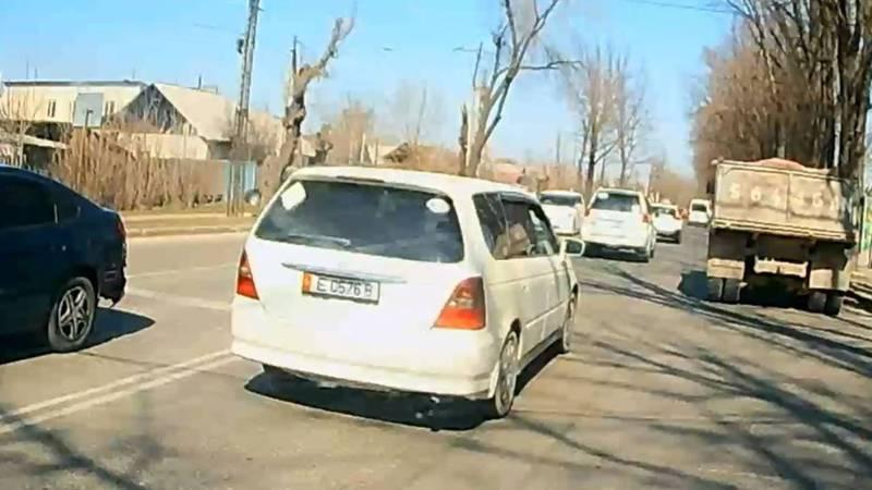 На Элебесова и Дорожная водитель «Хонды» нарушил ПДД