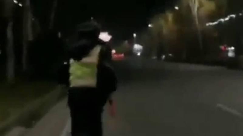 Видео — Сотрудник патрульной милиции убежал от человека, который пытался снять его на телефон