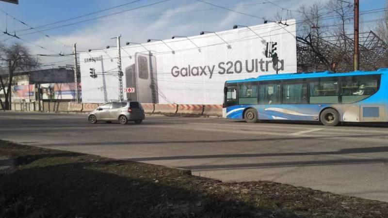 На Горького-Юнусалиева отсутствует разметка пешеходного перехода. Фото