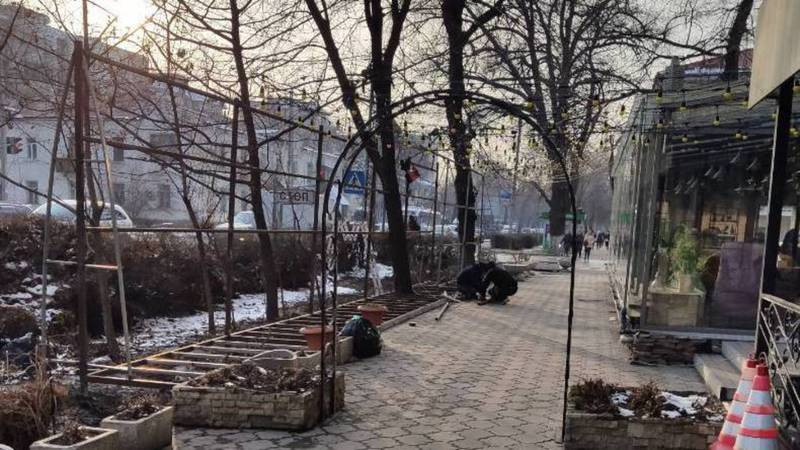 Законно ли строят летнюю площадку кафе «Vanilla Sky» на ул.Московской?