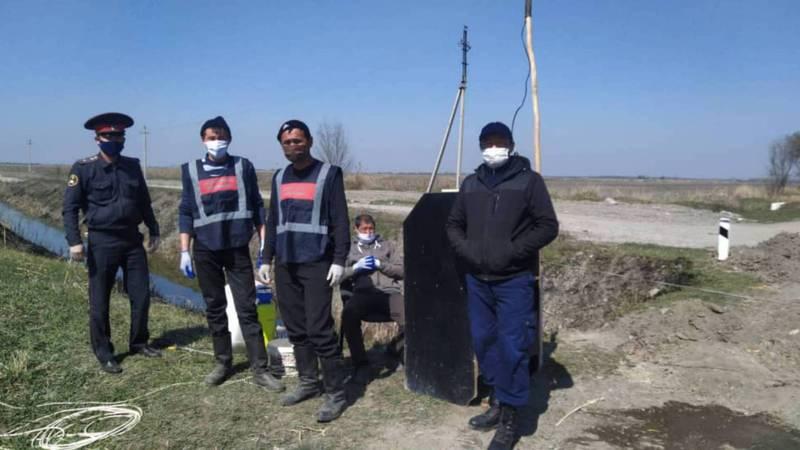 В селах Предтеченка и Ан-Арык в Московском районе поставили блокпосты