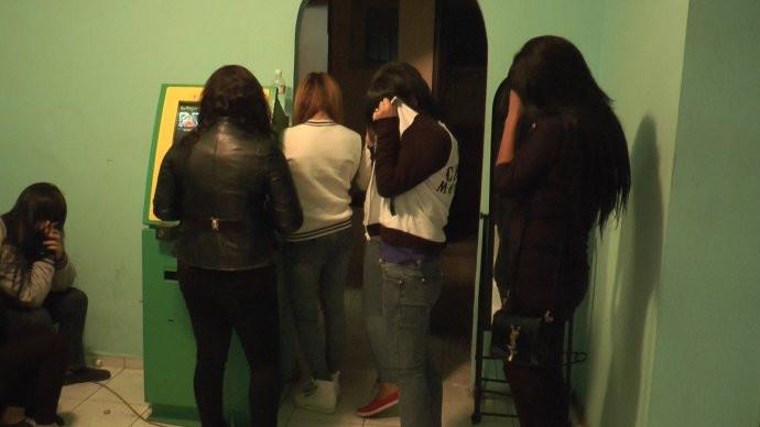 Малолетки проститутки кыргызстана ебля пьяных проституток